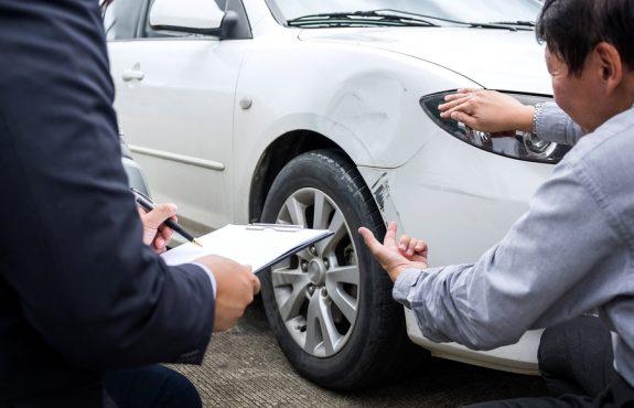 Verkehrsunfall: Wertminderung für ein neun Jahre altes Fahrzeug