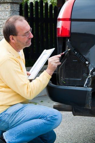 Verkehrsunfall: Privatgutachten als qualifizierter Parteivortrag