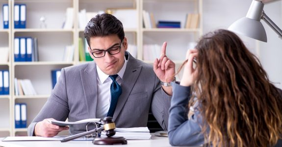 Kritik eines Rechtsanwaltsanwalts am gegnerischen Verhalten - zulässige Meinungsäußerung