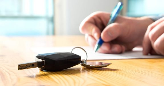 Verkehrsunfall: Inanspruchnahme einer Schutzbriefversicherung bei der Anmietung eines Ersatzfahrzeugs