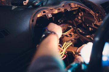 Kfz-Werkstatt – Diebstahl von Fahrzeugteilen von Kundenfahrzeugen