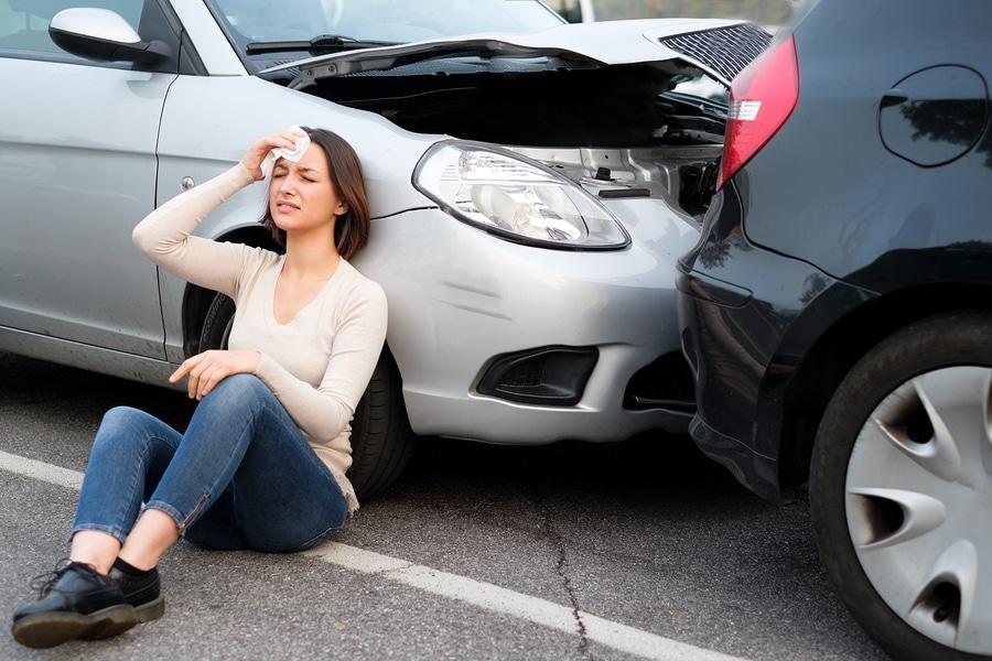 Haftung des Auffahrenden für einen Frontschaden am vorausfahrenden Fahrzeug bei Kettenauffahrunfall