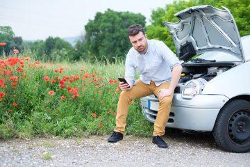 Verkehrsunfall – Anhalten auf dem Standstreifen – Verletzung auf Grünstreifen