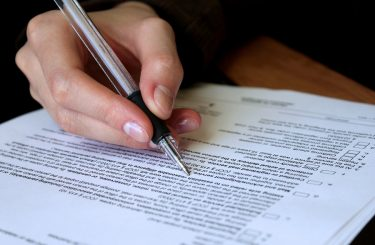 Kommissionsvertrag: Fristlose Kündigung bei Androhung eines Zurückbehaltungsrechts