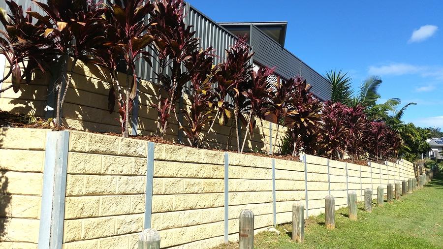 Errichtung einer Stützmauer - Nachbarschaftsstreitigkeit