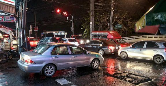 Verkehrsunfall: einfahrendes Fahrzeug mit bevorrechtigten Fahrzeug