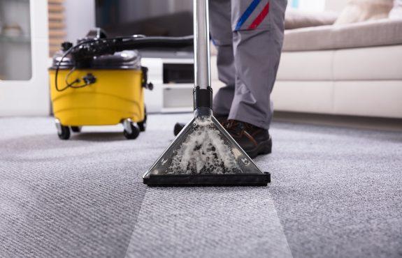 Schadensersatz -Reinigungsarbeiten - Schätzung des Stundenlohns
