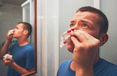 Schmerzensgeld bei zwei Schlägen in das Gesicht und Notwehrsituation