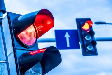 Rotlichtverstoß – Gefährdung des Querverkehrs – Fahrverbot
