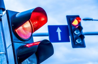 Rotlichtverstoß - Gefährdung des Querverkehrs - Fahrverbot