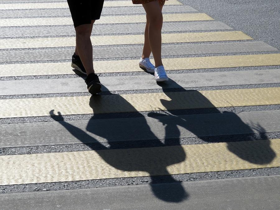 Verkehrsunfall an Fußgängerüberweg mit Personenschaden - Pflichten für Kraftfahrer