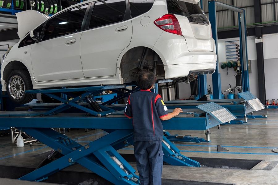 Verkehrsunfall: Höhe ersatzfähiger Reparaturkosten und Werkstattrisiko
