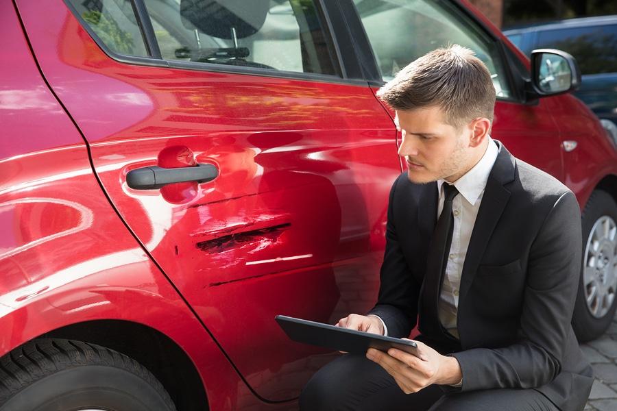Verkehrsunfall: Voraussetzungen für Einholung eines unfall-analytischen Sachverständigengutachtens