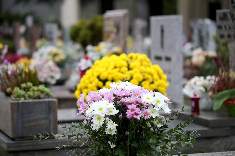 Graböffnung bei Zweifeln am krankheitsbedingten Tod eines Angehörigen