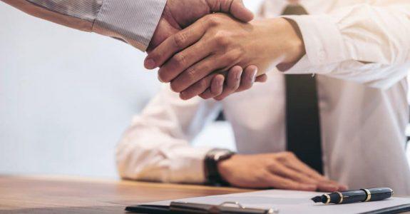 Bankdarlehen für Unternehmer – Unwirksamkeit von Bearbeitungsentgelt in AGB