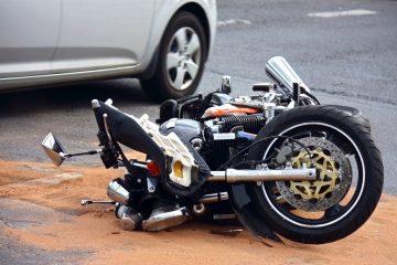 Motorradunfall während der Fahrschulausbildung – Schmerzensgeldanspruch des Motorradfahrschülers