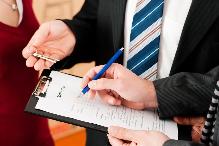 Geschäftsraummiete - Ausschlussfrist von zwei Wochen für Einwendungen gegen Nebenkostenabrechnung
