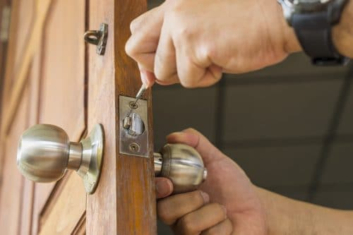 Schlüsselnotdienst - unredliches Verhalten vor dem Öffnen der Wohnungstür