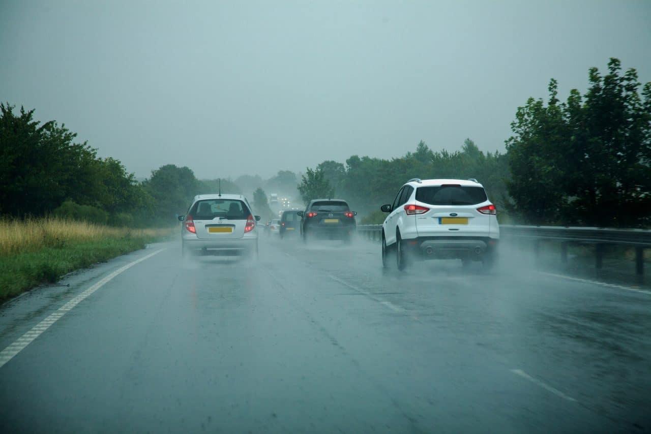 Nötigung im Straßenverkehr durch zu dichtes Auffahren