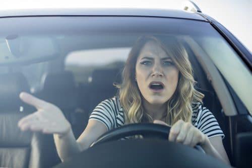 Fahrlässige Gefährdung des Straßenverkehrs - Fahrerlaubnisentziehung bei Schaden unter 750 Euro