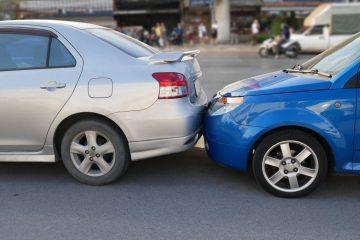 Auffahrunfall nach Bremsung des Vorausfahrenden ohne zwingenden Grund – Haftungsverteilung