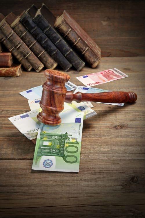 Unberechtigte Strafanzeige – Ersatz der angefallenen Rechtsanwaltsgebühren gegenüber Anzeigenerstatter