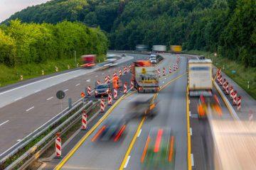 Nötigung durch bis auf 5 Meter auffahrenden Kraftfahrer auf Autobahn