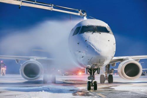 Ausgleichsleistungsanspruch bei Flugverzögerung wegen Enteisung eines Flugzeugs