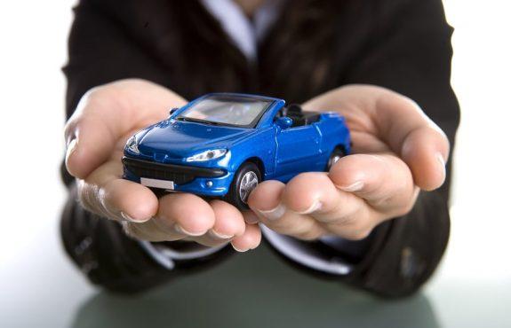 Fahrzeugmietvertrag: Formularvertragliche Verlängerung der Verjährungsfrist