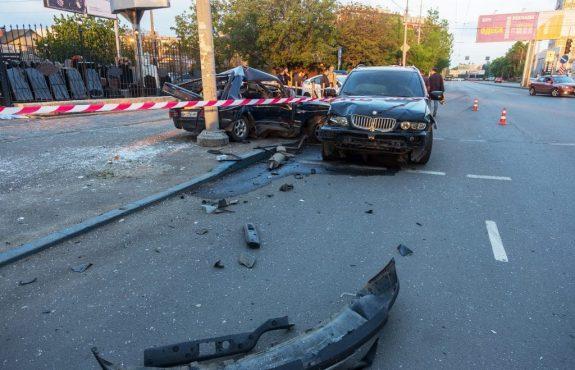 Haftungsverteilung nach einer Fahrzeugkollision beim Abbiegen