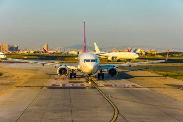 Flugannullierung – Kollision zweier Flugzeuge auf dem Weg zur Start- und Landebahn