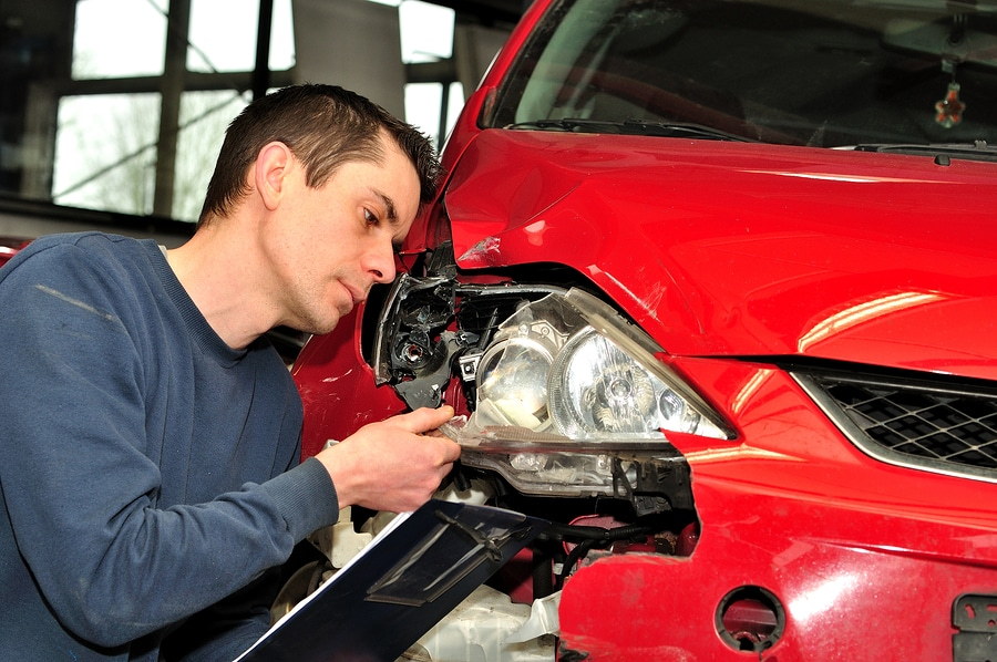 Verkehrsunfall: Darlegungs- und Beweislast für Wertminderung des Unfallfahrzeugs