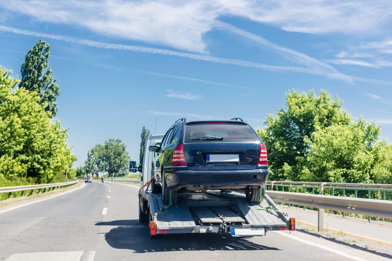 Verkehrsunfall - Verbringungskosten eines beschädigten Spezialfahrzeugs in eine Spezialwerkstatt