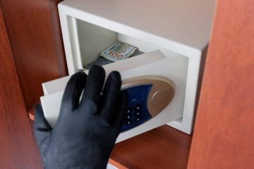 Reiseveranstalterhaftung bei Diebstahl aus Zimmersafe im Hotelzimmer