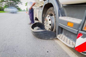 Verkehrsunfall – Haftung für gelösten Fahrzeugreifen