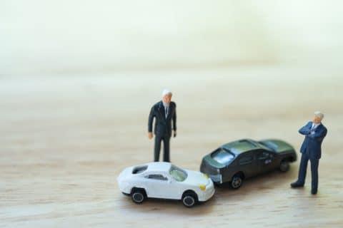 Verkehrsunfallprozess - Darlegungslast bei Bestreiten des Eigentums am Unfallzeug
