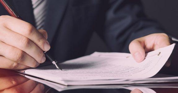 Ergänzende Testamentsauslegung - Bestellung eines Ersatztestamentsvollstreckers
