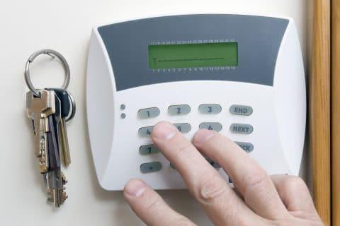 Alarmanlagenmietvertrag mit Fernüberwachung - Vertragslaufzeit von 6 Jahren wirksam