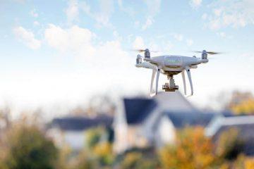 Wann ist ein Drohnenabschuss bei Überflug über das eigene Grundstück zulässig?