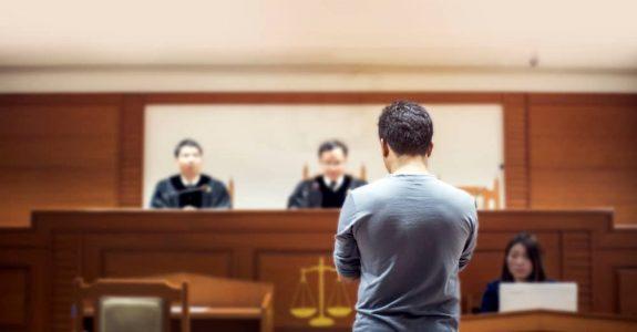 Zeugnisverweigerungsrecht - Zwischenstreitverfahren über Bestehen