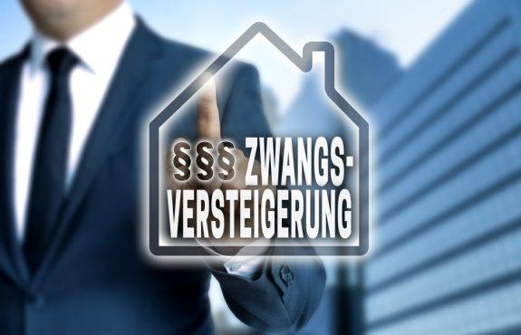 Zwangsversteigerung eines Mietshauses - Eintritt in Energieversorgungsvertrag