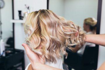 Mangelhafte Friseurleistungen – Schadensersatz und Schmerzensgeld