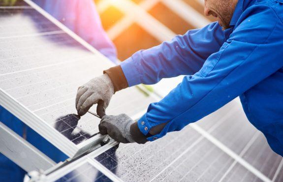 Mangelhafte Solarmodule infolge von Schneckenspuren und Mikrorissen