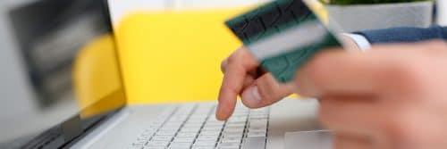 Missbräuchliche Verwendung von bargeldlosen Zahlungsmitteln bei Bankkarte und Kreditkarte