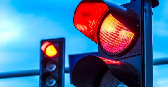 Rotlichtverstoß im Kreuzungsbereich – Mitzieheffekt