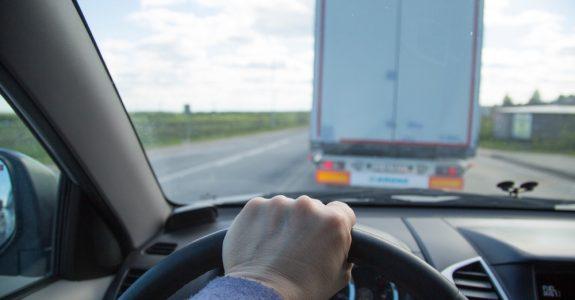 Verkehrsunfall - Überholen bei unklarer Verkehrslage - Haftung
