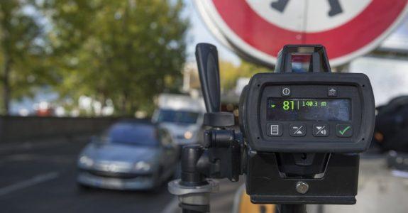 Geschwindigkeitsüberschreitung: Messdatenauswertung ein privates Dienstleistungsunternehmen – Zulässigkeit