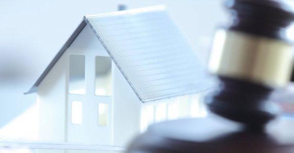 Ersteigerung eines Hausanwesens – Nutzungsvergütungszahlung der Hausbewohner