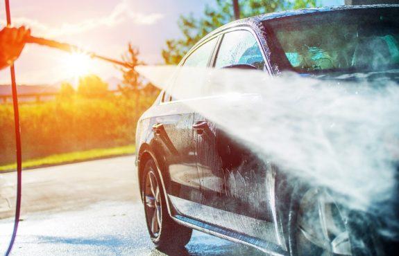 Waschstraße - Fahrzeugbeschädigung bei manueller Vorreinigung