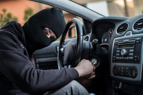 Vollkaskoversicherung - Ansprüche gegen Autohaus bei Entwendung eines Kundenfahrzeugs